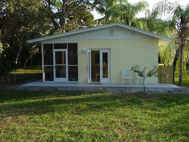 La Palmita - Nokomis - House