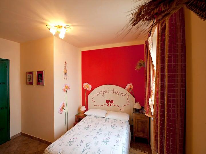 Camera Papaveri tra Langhe e Monferrato