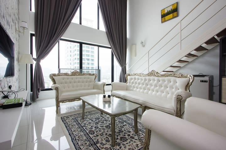 Seafront Glamour Duplex at Gurney Drive
