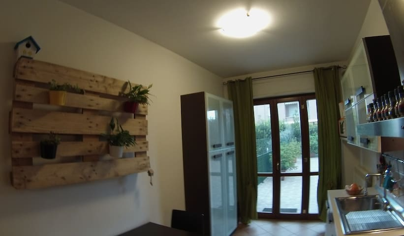 Assisi appartamento vicino stazione treni e bus - Santa Maria degli Angeli - Apartamento