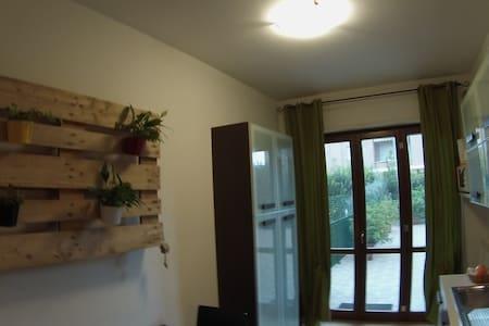 Assisi appartamento vicino stazione treni e bus - Santa Maria degli Angeli - Lejlighed