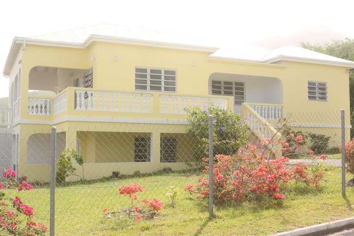 Villa Benito 3 mins from Golf, local amenities
