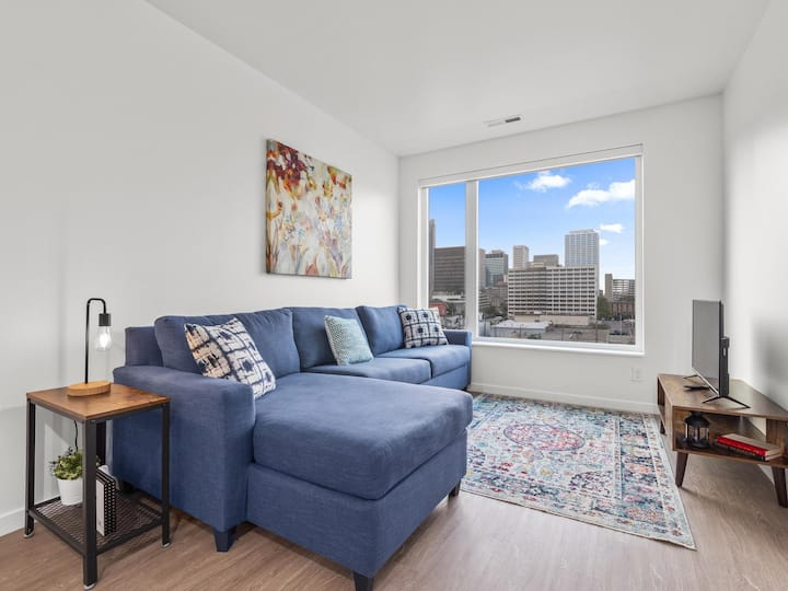 *Downtown Columbus Condo with a View* 515