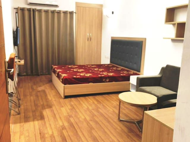 UNO Homes - Amazing place to stay & chill in Noida
