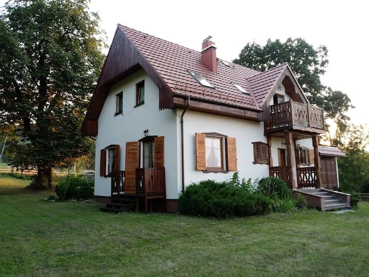 Modrzewiowy Dom w Szczawinie