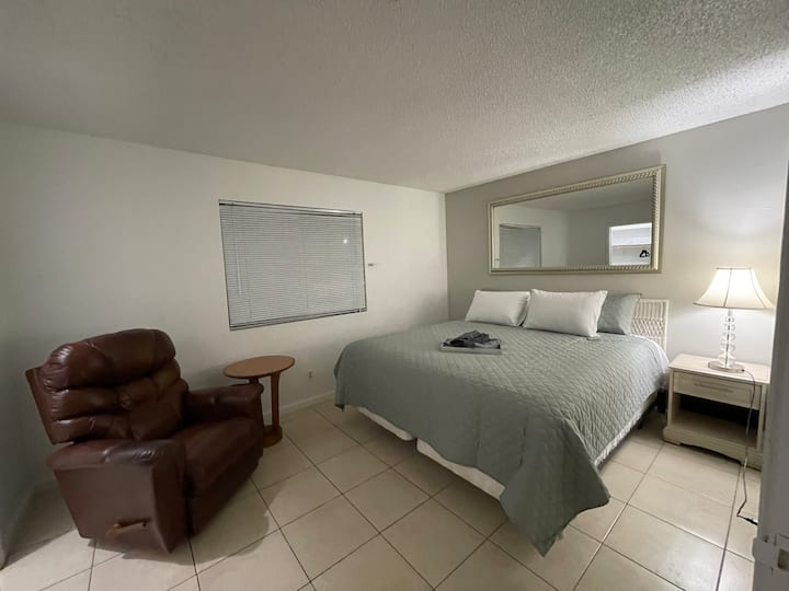 Entire Place,Free Parking,near DOWNTOWN Las Vegas