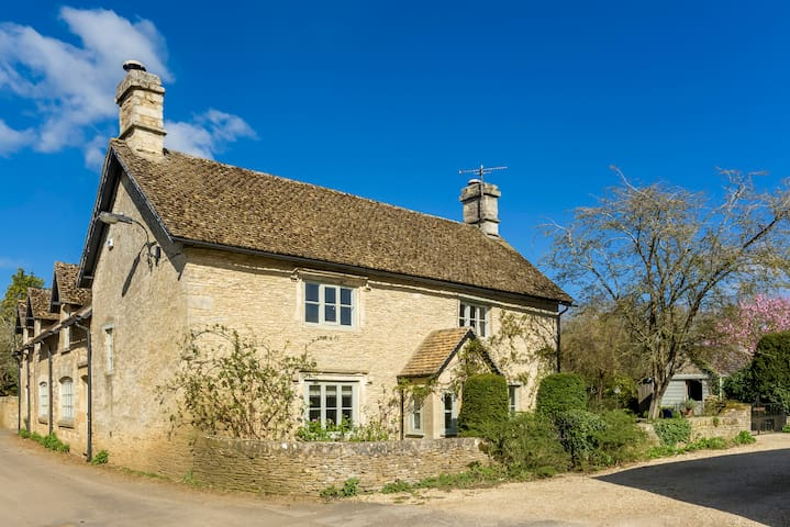 The Old Bakery, Cotswold Cottage