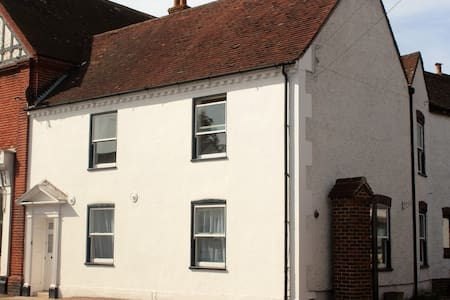 Manchester Cottage, near Emsworth - Sleeps 4 - Westbourne - House