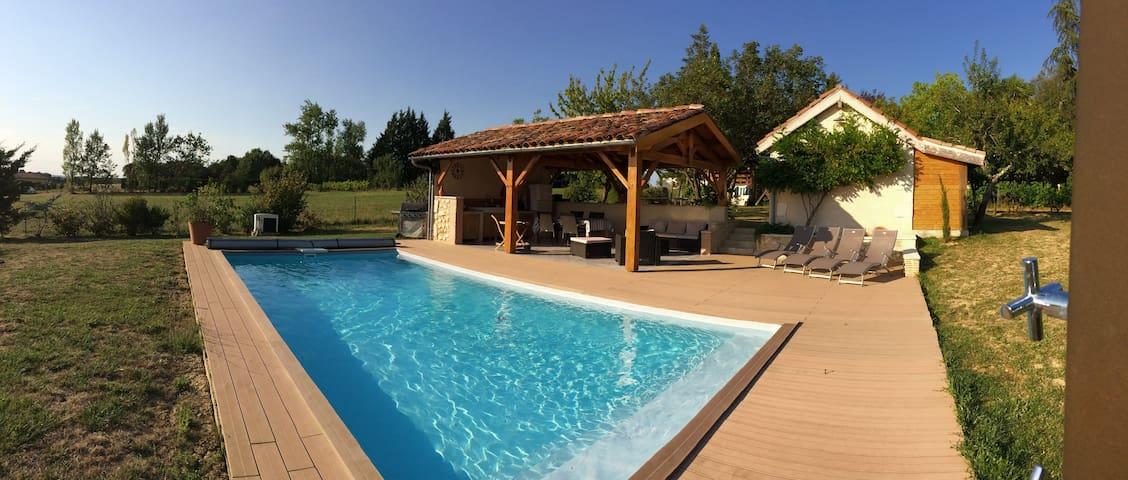 Maison de caractère en pierre, piscine chauffée - Mérens - Casa