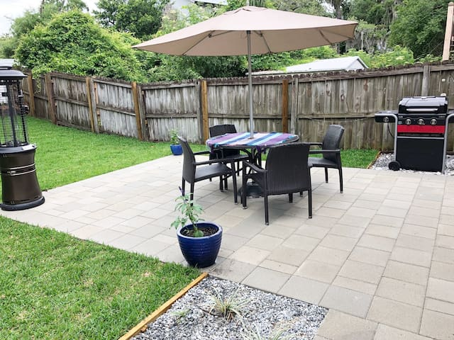 Patio with seating, grill & heater
