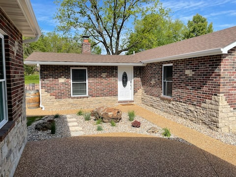 A Charming Home newly remodeled and furnished