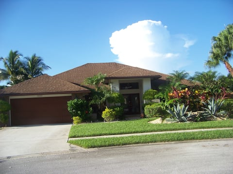 4 Bd Luxury  Home with Heated Pool and  lanai Pet