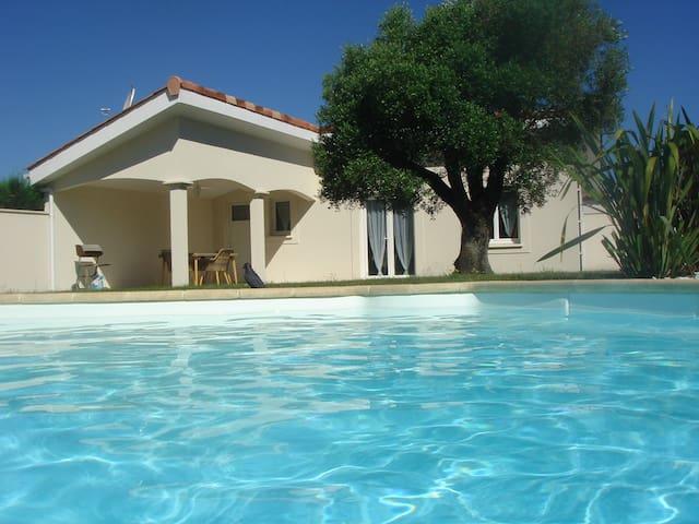 STUDIO avec piscine sur Bassin d'Arcachon à Cazaux