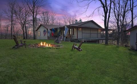 Minton Lodge - Relax, Rewind, Enjoy!