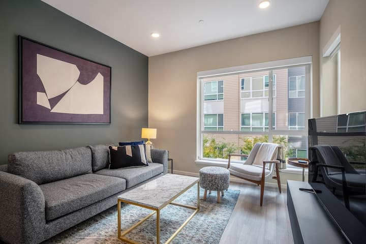 Airy Dogpatch 1BR w/ Gym, Rooftop, walk to Chase Center, by Blueground