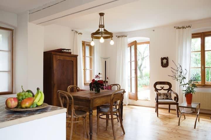 Romantische Wohnungsinsel mit Garten in Meran