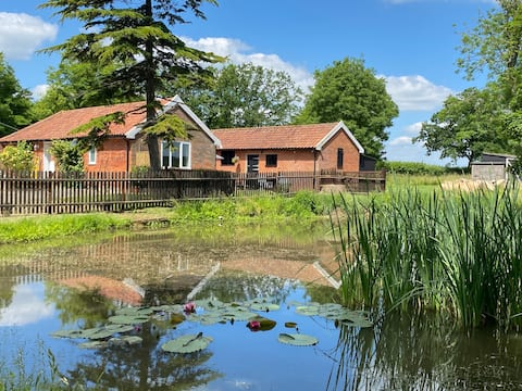 Rookery Farm Cottage - Countryside, Coast & Cycle