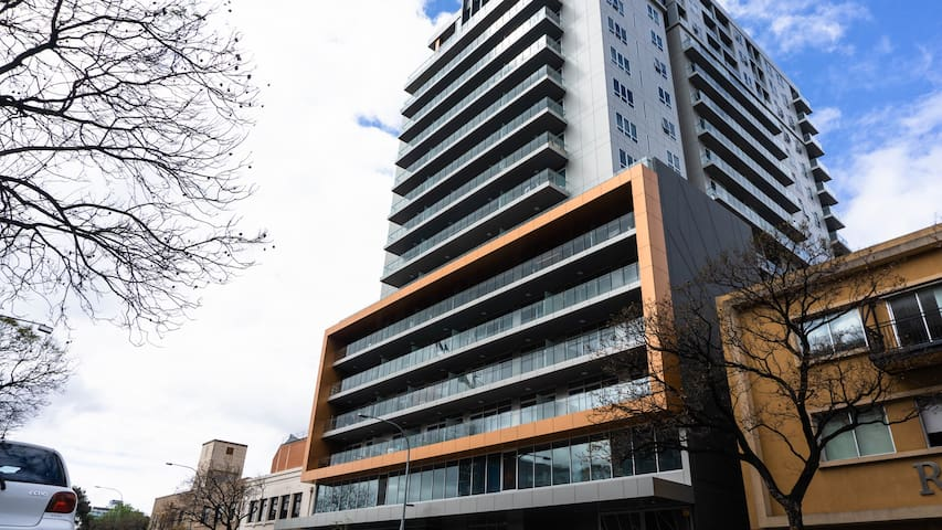 Stunning CBD Studio Apartment With a View - V502