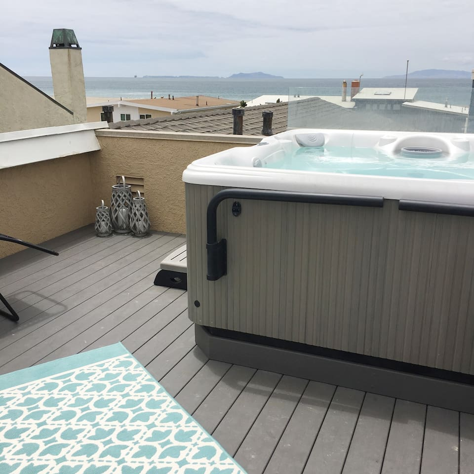 View from the rooftop living room. It's so clear, you can see Anacapa and Santa Cruz Islands from your lounge chair or your director's chair.