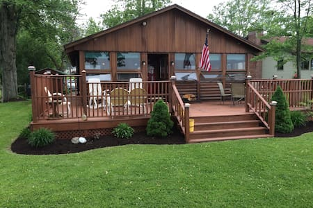 Quiet Log Cabin on Owasco Lake - Auburn - Talo