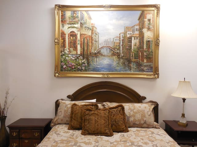 Venetian Suite-Dogwood Springs Lodgings