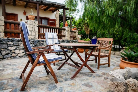Hikers and Nature lovers-Guesthouse at Finca Arona