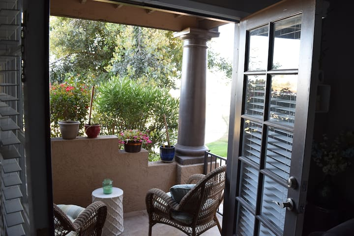 Greenbelt Getaway in Scottsdale