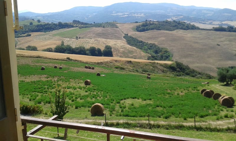 Airbnb Cinigiano Holiday Rentals Places To Stay Toscana