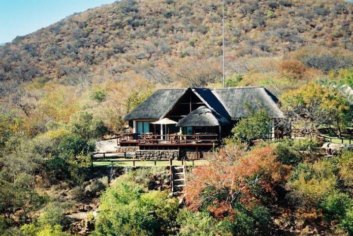 Dakar Luxury Getaway in Waterberg - Lephalale - Villa