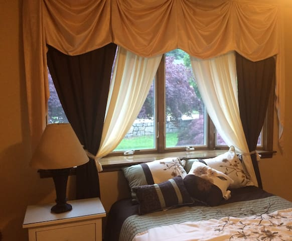 Bedroom for 1 or 2 guests in private house