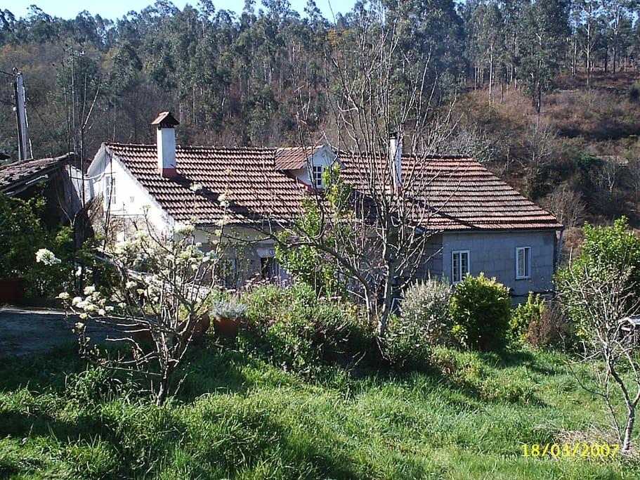 Valderrodas ecovillage in galicia casas de campo en alquiler en pontevedra galicia espa a - Casas de campo en galicia ...