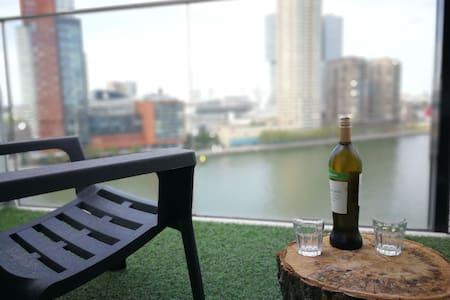 Loft appartement Rotterdam, great terrace view!