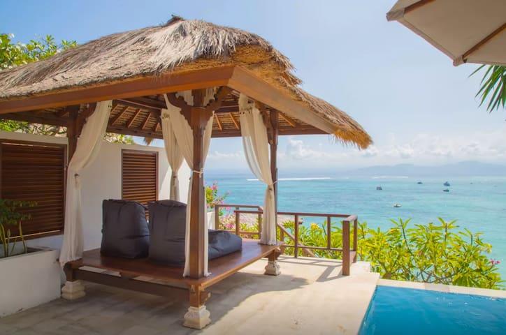 VILLA DAMAI- Private 1 Bedroom - Oceanfront - Pool