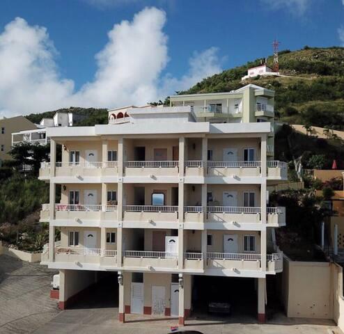 T's Amazing Ocean View Villas