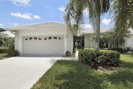 Gorgeous 3 bedroom home in golfing community 7156 - Lely Resort - Other