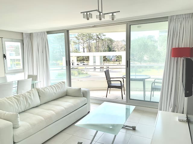 Ocean Drive Clean View. New Amenities All included
