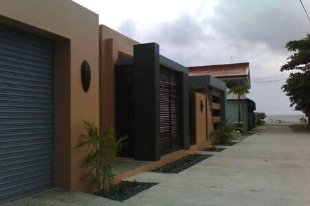 ZEN BEACHSIDE Residence - House