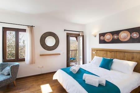 Old Town Hotel Kalkan - Room 1 - Kalkan Belediyesi - ที่พักพร้อมอาหารเช้า