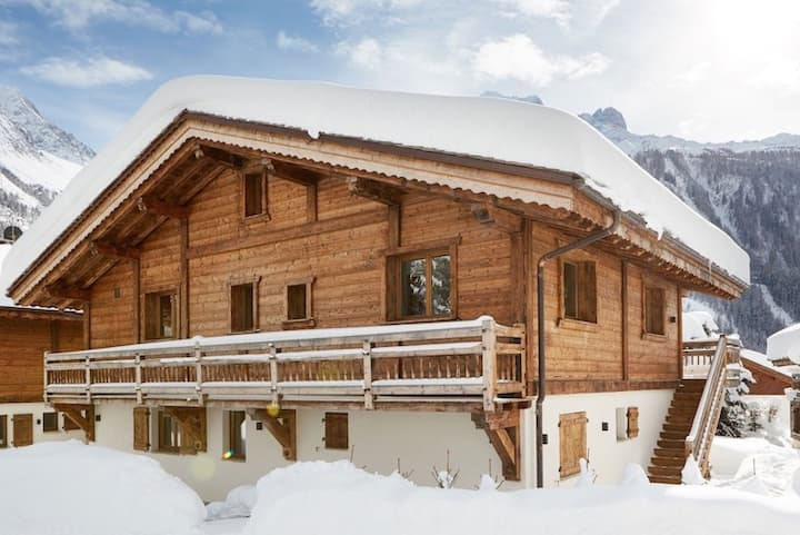 Luxurious Chalet with Cinema and Mont Blanc View