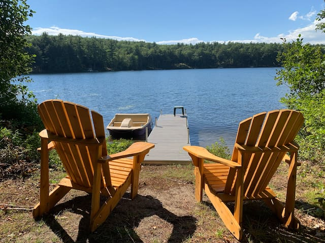 Waterfront Coffee Pond getaway 3 bed 2 bath for 8