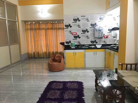 Cozy entire apartment very near to Kolkata Airport