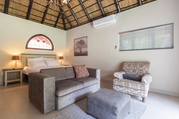 Farm Style Cottage in Fourways, Sandton 2 - Sandton - Konukevi