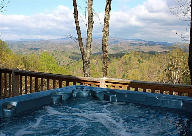 *NO GUEST SERVICE FEE* Horseshoe Knoll-Hot Tub, Pool Table, Trails, Views