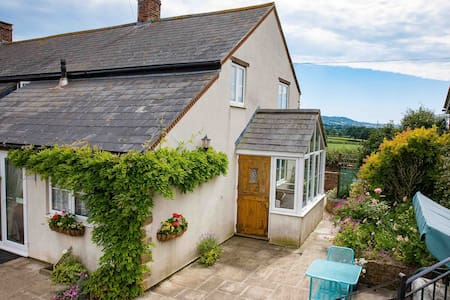 Dorset Self Contained Spacious country cottage
