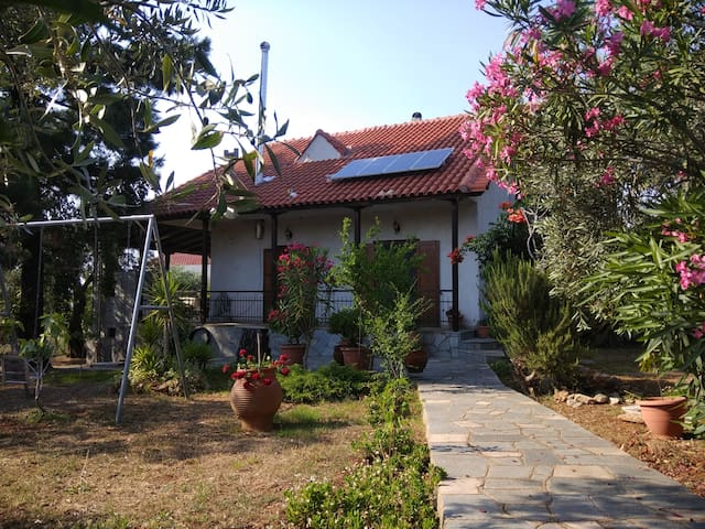 Smaragda's House
