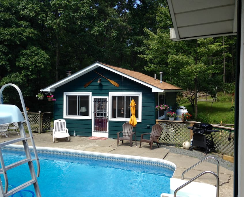 Pool House In The Pocono 39 S Tiny Houses For Rent In Greeley Pennsylvania United States