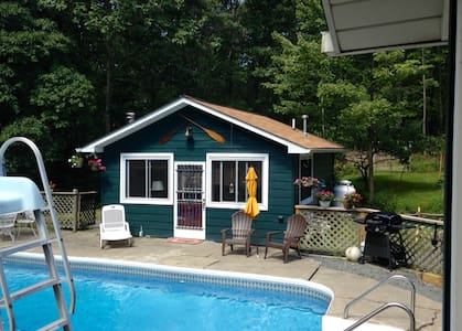 Pool House in the Pocono's - Greeley - 民宿