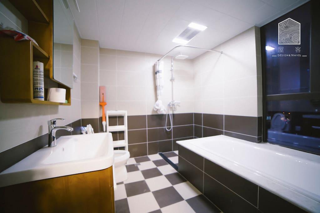 浴缸卫生间还等什么