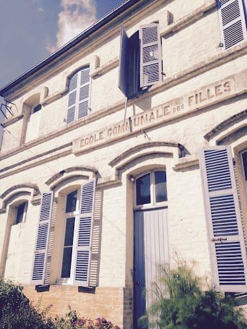 Ecole communale des filles - Le Boisle - House