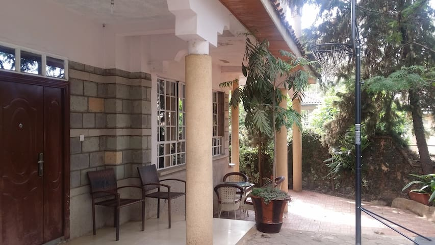 Evergreen homestay - Nairobi - Pension